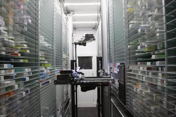 Pharmacy robot