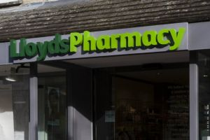 The lowest Lloydspharmacy bonus reported to the PDA is £1,000